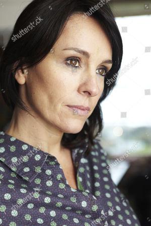 Juliet Aubrey as Felicity Calvert