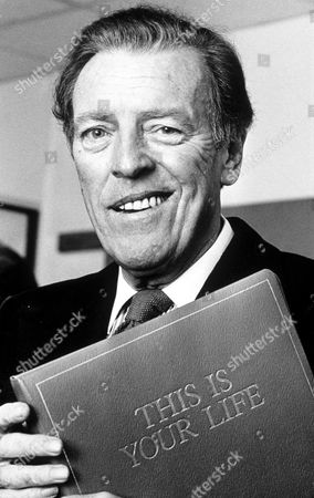 "EAMONN ANDREWS WITH "" THIS IS YOUR LIFE "" RED BOOK"