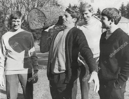 Dunfermline Fc Footballers Training 1968 Ian Thomson With Log And Barry Mitchell Bert Martin And Ian Lister