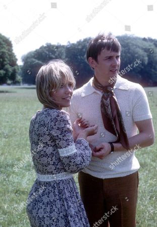 Tessa Wyatt as Daphne and Guy Slater as Jackson