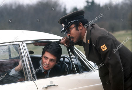 David Hedison as Edmund Hardy and Kenneth Gardiner as the AA man