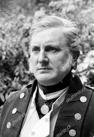 Michael Barrington as Admiral Sir George Cockburn