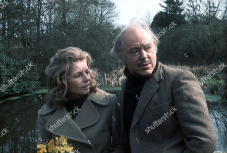 Mary Peach as Janet Pierce and Michael Bryant as Jeremy Dent
