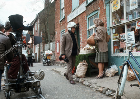Behind the scenes filming camera crew Michael Bryant as Jeremy Dent and Mary Peach as Janet Pierce