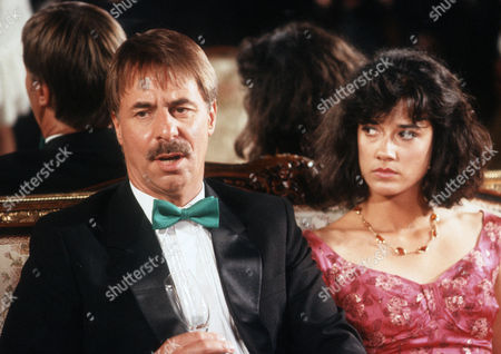 Barrie Rutter as Danny Ryan and Sandy Hendrickse as Theresa Ryan