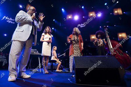 Quincy Jones Show - Quincy Jones, Nikki Yanofsky, Nine-year old U.S. pianist and composer Emily Bear, Patti Austin and Esperanza Spalding