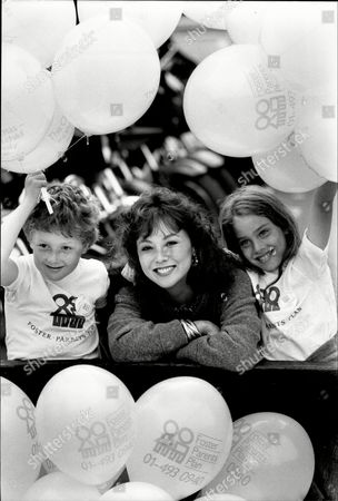 Marie Helvin With The Help Of Anna Laub 8 And Robin Street 8 Launch Of The Foster Parents Appeal - 1981