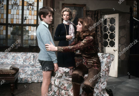 Barnaby Shaw as Ricky Ashton, Jill Bennett as Annabelle Logan and Jennie Linden as Connie Ashton