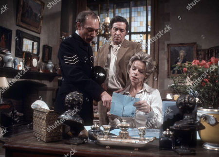 Ron Pember as Sergeant Mitchell, John Gregson as Charles Ashton and Jill Bennett as Annabelle Logan