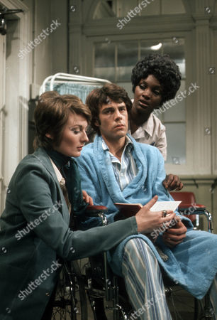 Delia Lindsay as Elizabeth Kindley, Richard Morant as Edward Ted Winterton and Carmen Munroe as Alice Olivera