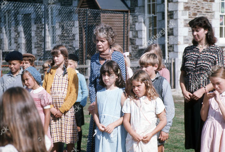 Celia Johnson as Dame Sybil Hathaway with children of Sark