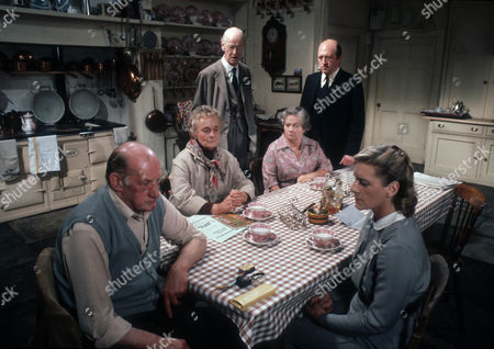 John Barrett as Mr Apse, Patsy Smart as Miss Bell, John Welsh as Dr Welsh, Gabrielle Blunt as Mrs Pope, Robert Lang as Plunkett and Sally Sanders as Tindall