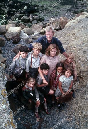Stock Image of Henriette Baker as Anna, Alastair Haley as Ronnie, Frederik Heringa as Willem, Clare Drummond as Sheila, Phillippe Vadillo as Marjan, David Newton Schmitt as Pierre, Dorothee Boeuf as Little Rose and Peter O'Toole as John Sidney Howard