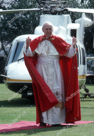 Anthony Quayle as The Pope