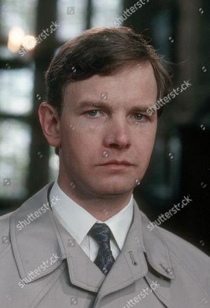 Simon Chandler as Fox