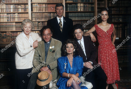 June Whitfield as Mrs White, Robin Nedwell as Reverend Green, Robin Ellis as Colonel Mustard, Stephanie Beacham as Mrs Peacock, Kristoffer Tabori as Professor Plum and Tracy-Louise Ward as Miss Scarlett.