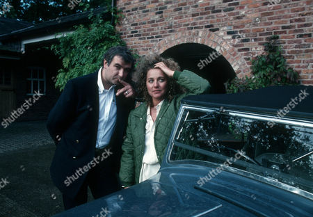 Gary Whelan as George and Gail Harrison as Tessa Gozinki