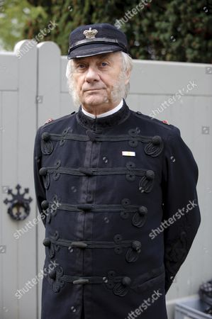 Stock Picture of Tom Georgeson as Superint. Foley