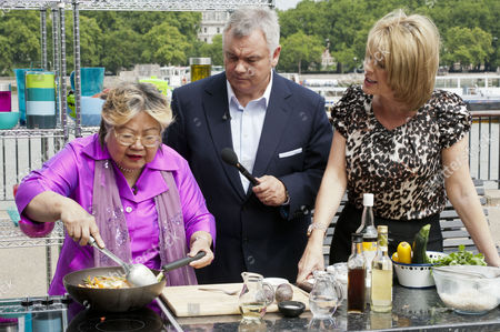 Nancy Lam with Eamonn Holmes and Ruth Langsford