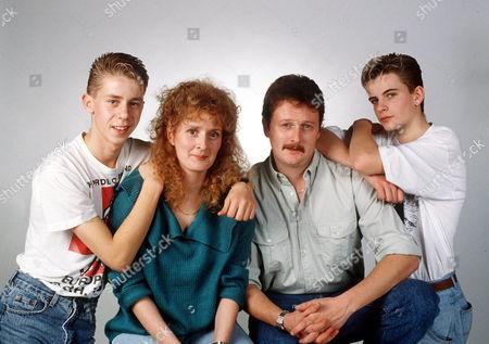 Coronation Street 1989 The McDonald Family Andy McDonald [Nicholas Cochrane], Liz McDonald [Beverly Callard], Jim McDonald [Charles Lawson] and Steve McDonald [Simon Gregson].