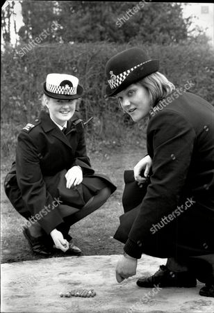 Marbles Championships Tinsley Green Sussex - 1989 Shows: Wpc Anna Skinner And Wpc Sue Elliott