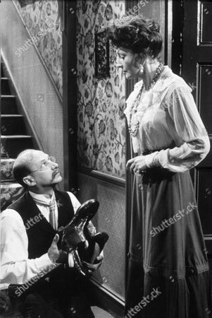 'Doctor Crippin'- Donald Pleasance and Coral Browne - 1962