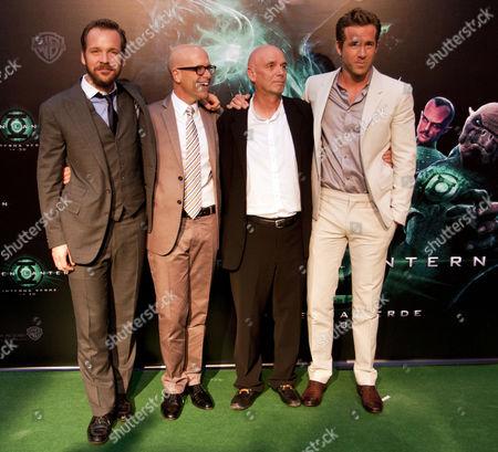 Peter Sarsgaard (L) and Ryan Reynolds (R)