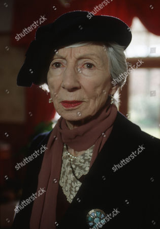 Jean Anderson as Victoria Wainwright