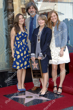 Sissy Spacek, husband Jack Fisk, daughters Madison & Schuyler