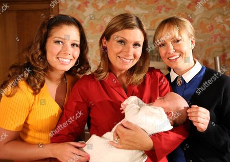 Dawn Bellamy (Nikki Sanderson), Gina Bellamy (Tricia Penrose), Baby Philllip Bellamy and Carol Cassidy (Lisa Kay)