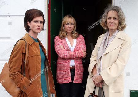 Barbara (Emily Aston), Margaret(Barbara Marten) and Carol Cassidy(Lisa Kay)