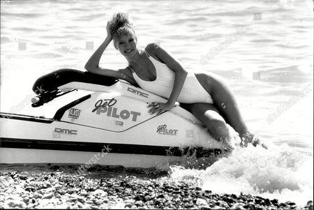 Julie Davis 19 Of Worthing On Worthing Beach - Hot Weather Pix - 1989