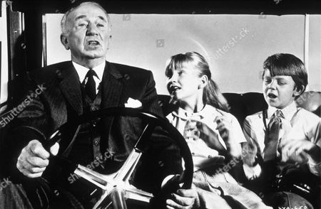 Stock Image of Walter Brennan with Matthew Garber and Karen Dotrice in 'The Gnome-Mobile' - 1967