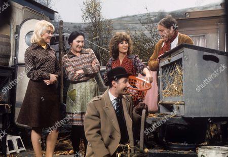 Gay Soper, Queenie Watts, Jonathan Cecil, Maureen Sweeney and Arthur Mullard