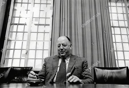 Lord Beeching (richard Beeching) Chairman Of Imperial Chemical Industries (ici).