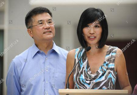 Gary Locke and wife Mona Lee