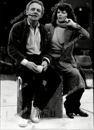 Sir Anthony Hopkins With Actress Samantha Eggar In The Play: The Lonely Road At The Yvonne Arnaud Theatre.