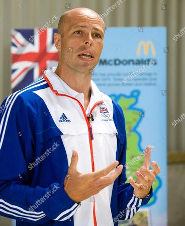 Former GB athlete Dean Macey speaking at Newlands Farm
