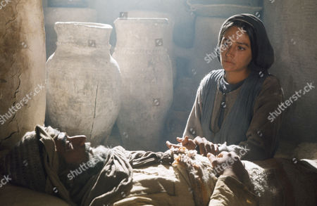 (l-r) Yorgo Voyagis as Joseph, Olivia Hussey as Mary, the mother of Jesus