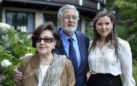 Stock Image of Marta Domingo, Placido Domingo and Virginia Tola