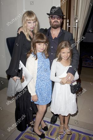 Anoushka Fisz and Dave Stewart with daughters Indya and Kaya