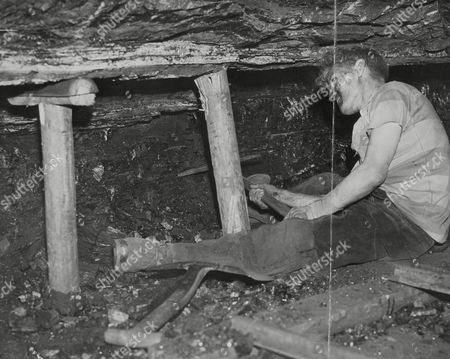 Industry Mines And Miners 1947 Miner John Midgley Working At The Birkenshaw Colliery Near Leeds