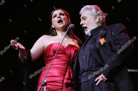 Stock Picture of Placido Domingo with soprano Virginia Tola