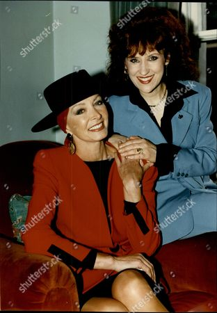 Comedienne Marti Caine With Actress Anita Dobson During Her Relapse From Cancer. Miss Caine Has Lost Her Hair After Chemotherapy.