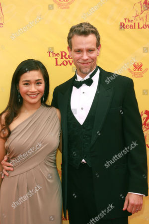 Adam Pascal and wife Cybele Chivian