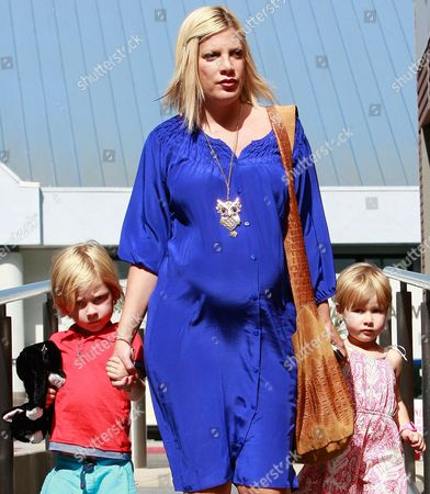 Tori Spelling with son Liam Aaron Mcdermott and daughter Stella Doreen Mcdermott