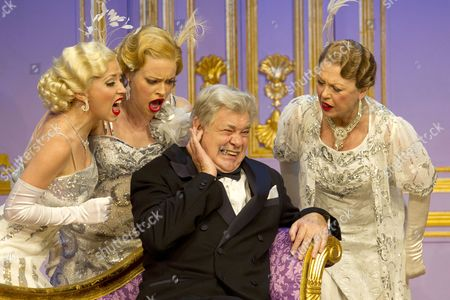 Michelle Bishop (Ladies of the Opera Guild), Jane Quinn (Ladies of the Opera Guild), Matthew Kelly (Henry Saunders) and Gay Soper (Ladies of the Opera Guild)