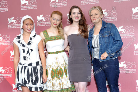 Valerie Tian, Sarah Gadon, Sarah Bolger, Mary Harron
