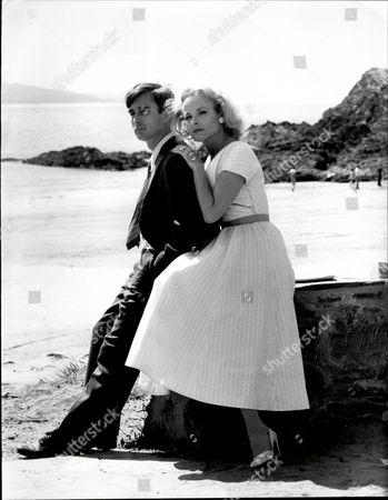 Dennis Lawson And Sheila Gish On Location