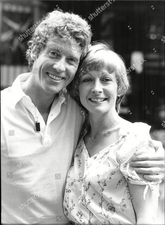 Actor Michael Crawford Who Stars In Musical 'barnum' With His New Leading Lady Lisa Westcott.